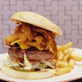 No Rules Burger -  dari Outback Steakhouse (Puri Indah) di Puri Indah |Jakarta