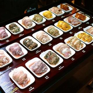 八色豬烤肉 -  dari 八色韓式烤肉 一號旗艦店 (大安區) di  |Taipei