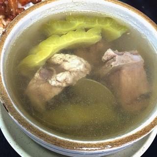 苦瓜排骨湯 - 位於三重區的今大魯肉飯 (三重區) | 新北/基隆