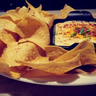Hot Crab and Artichoke Dip. crab fat. nacho chips - Mandaluyong's Fireside by Kettle (Mandaluyong)|Metro Manila