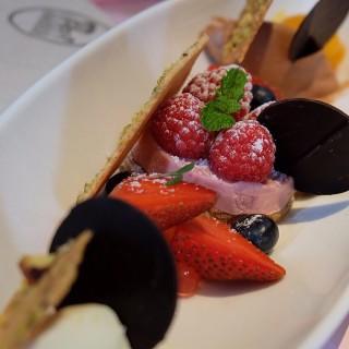 Damsel in distress - Senopati's Amber Chocolate & Bar (Senopati)|Jakarta