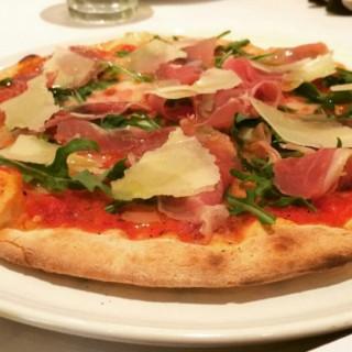 parma pizza -  dari Caffè Milano (Thamrin) di Thamrin |Jakarta