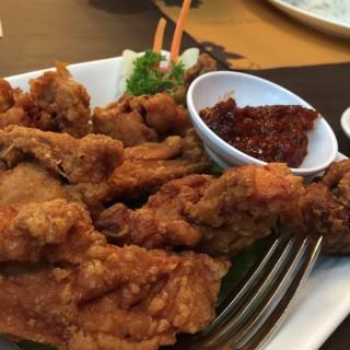 Ayam terasi - ในSenayan จากร้านPenang Bistro (Senayan)|Jakarta
