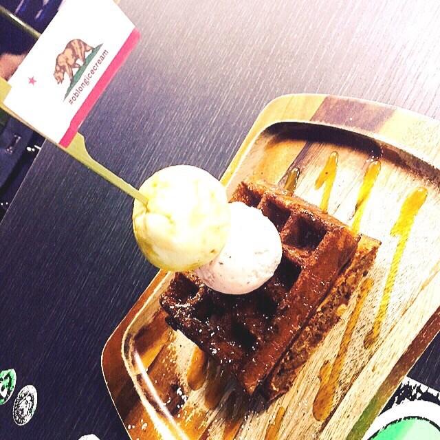 Tiramisu Waffle With Chocolate Cream cheese - dari oblong di 實龍崗 ...