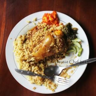 Nasi Minyak Gulai Kikil Kaki Sapi - Palembang's Nasi Minyak H. Abuk (Palembang) Other Cities