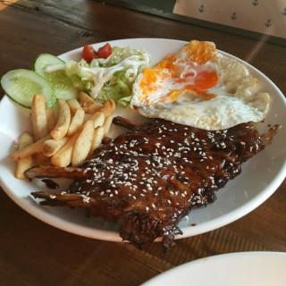 BBQ Pork Ribs  - Pasirkaliki's Kenken Bigul Kitchen (Pasirkaliki)|Bandung