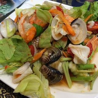涼拌海鮮 -  dari 泰鑽泰式料理 (大里區) di  |Taichung