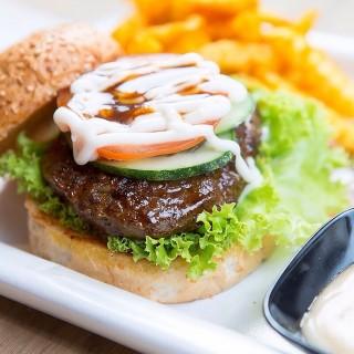 Beef Burger -  Kerinchi / Dancing Grill Restaurant (Kerinchi) Klang Valley