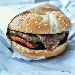 Western Beef Bacon - 位於Bintaro的Carl's Jr. (Bintaro) | 雅加達