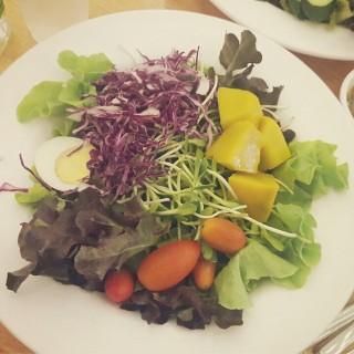 สลัด ไซส์ L -  dari Jones Salad (ดินแดง) di ดินแดง |Bangkok