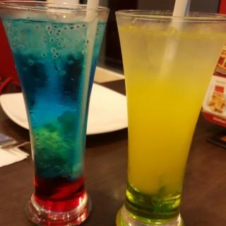 mix berry & orange sparkle - Laksda Adisucipto's Pizza Hut (Laksda Adisucipto)|Yogyakarta