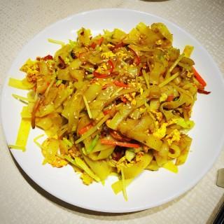 炒貴刁 - 位於的六和素食 (銅鑼灣) | 香港