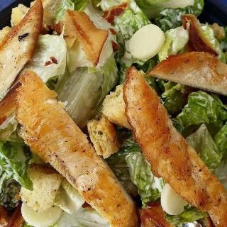 Classic Caesar Salad with Grilled Chicken Breast -  dari Wave (Parañaque) di Parañaque  Metro Manila
