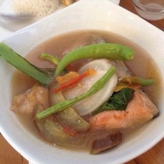 Sinigang na Salmon Head sa Miso - New Manila's Conti's Bakeshop & Restaurant (New Manila)|Metro Manila
