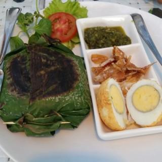 Nasi Bakar Ayam - Puncak's Nicole's Kitchen & Lounge (Puncak)|Jakarta
