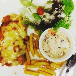 Chicken Parmigiana - Putrajaya's Tappers Cafe (Putrajaya)|Klang Valley