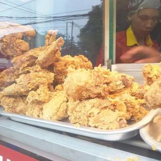 Ayam Goreng Tepung -  dari Sabana Fried Chicken (Pancoran) di Pancoran  Jakarta