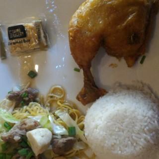Spring Platter -  dari Max's Restaurant (Cebu City) di Cebu City |Cebu