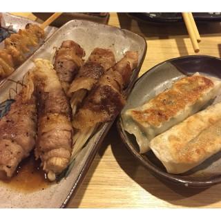 金菇肥牛卷 餃子 - 位於尖沙咀的石澗日本料理 (尖沙咀) | 香港
