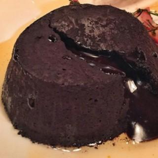 choco lava cake -  dari Avec Moi Restaurant (Thamrin) di Thamrin |Jakarta
