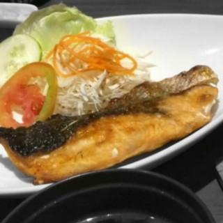 Salmon - ในPluit จากร้านKiyadon Sushi (Pluit)|Jakarta