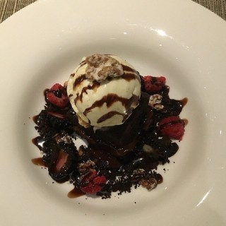 Chocolate Brownie with Vanilla Ice Cream -  Sentosa / Tablescape (Sentosa)|Singapore