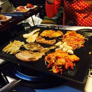 八色烤肉 -  dari 八色韓式烤肉 一號旗艦店 (大安區) di 大安區 |Taipei