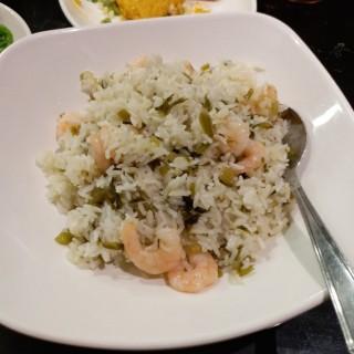 雪菜蝦仁炒飯 - 位於的翡翠拉麵小籠包 (沙田) | 香港