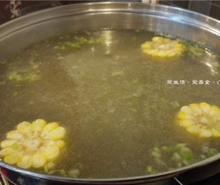 玉米萝卜牛骨汤锅底 - chepi's 浪险汕头牛肉火锅 (chepi)|Guangzhou