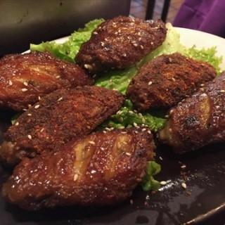 烤鸡翅 - 位于牡丹园的俏巴妹 (牡丹园)   北京