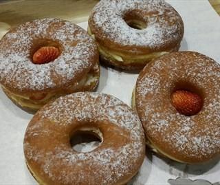 甜甜圈 - ใน江汉路 จากร้านDAYLIGHT DONUTS美国甜甜圈&咖啡 (江汉路)|Wu Han