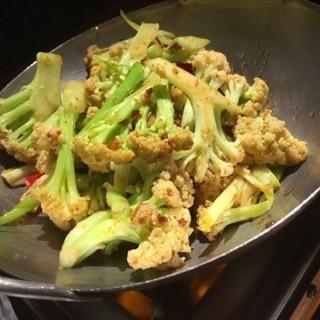干锅有机花菜 - ใน光谷 จากร้าน青春餐厅 (光谷)|Wu Han