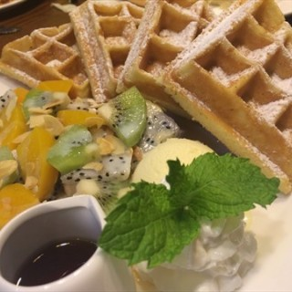 甜蜜菠萝松饼 - 位於图书大厦 的拉亚汉堡经典餐厅 (图书大厦 ) | 天津
