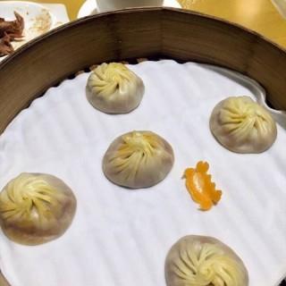 蟹粉小笼 - ใน城隍庙 จากร้านDin Tai Fung (城隍庙)|Shanghai