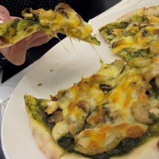牛肉口蘑迷迭香披萨 - ใน水塔 จากร้าน菲可披萨  (水塔)|Wu Han