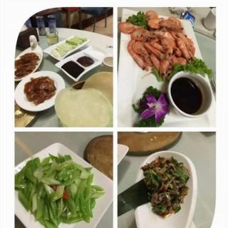 白灼大虾 - 位於國貿的旺顺阁鱼头泡饼店 (國貿) | 北京