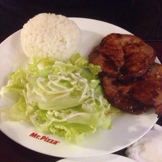 煎鸡肉饼配米饭 -  dari 米斯特比萨 (西单) di 西单 |Beijing