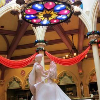 以童話故事主角作主題的雕像的 - ใน大嶼山 จากร้านRoyal Banquet Hall (大嶼山)|ฮ่องกง