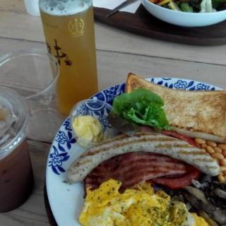 all day breakfast - ใน黃竹坑 จากร้านsensory ZERO (黃竹坑)|ฮ่องกง