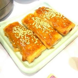 蜜汁叉燒酥(特價) - ใน屯門 จากร้านHak Ka Hu (屯門)|ฮ่องกง