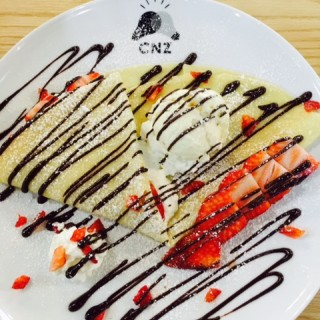 Strawberry Crepes - Tsim Sha Tsui's ClubNectionZ (Tsim Sha Tsui)|Hong Kong