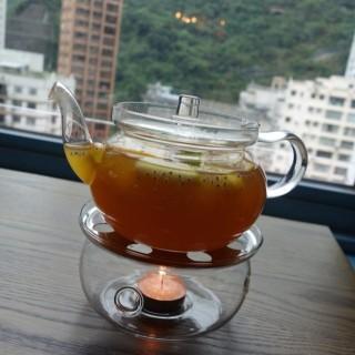 招牌水果茶 $42 - 位於的Espuma (灣仔) | 香港