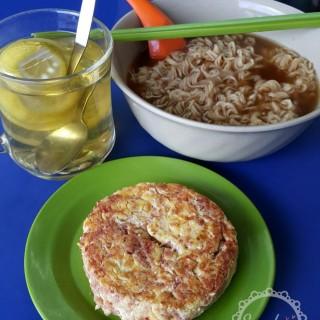 下午特價麵餐 <蛋鹹牛肉麵加熱飲> - 位於粉嶺的漢興茶檔 (粉嶺) | 香港