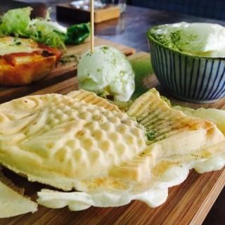 茉莉花茶麻糬皮鯛魚燒拼乳酪雪糕 - 位於新蒲崗的窩子 (新蒲崗) | 香港