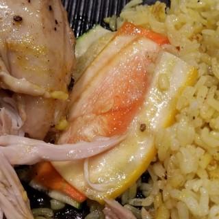 香烤慢煮春雞配南亞黃薑飯 - 位於火炭的圓點工房 (火炭) | 香港