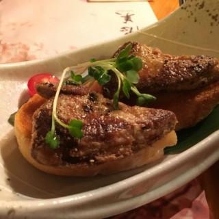燒鵝肝配士多啤梨乳酪 - 位於紅磡的德美居酒屋 (紅磡) | 香港