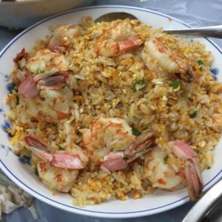 招牌海膽大蝦炒飯 - 位於西貢的肥老闆 (西貢) | 香港