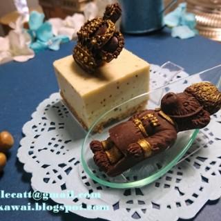皇冠黑松露芝士蛋糕和皇冠及小熊黑朱古力 - 位於上環的DK Cuppa Tea (上環) | 香港