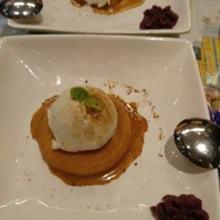 海鹽焦糖冬甩 - ใน旺角 จากร้านAntoshimo Cafe & Bakery (旺角) ฮ่องกง