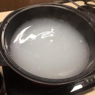 鍋底 - 位於的粥地海鮮粥底火鍋 (大埔) | 香港